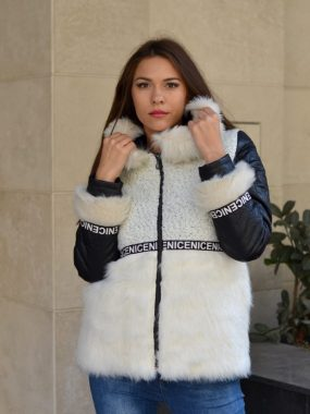 бяло зимно дамско яке с качулка
