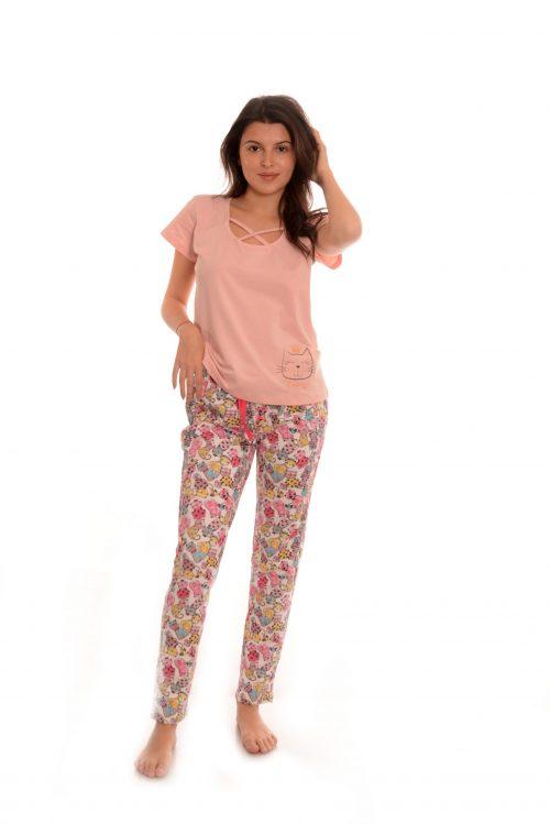 Дамска пижама с котенца. Дизайнерски български модел.