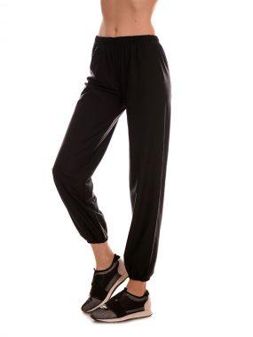 Дамски еластичен панталон от микро полиестер.