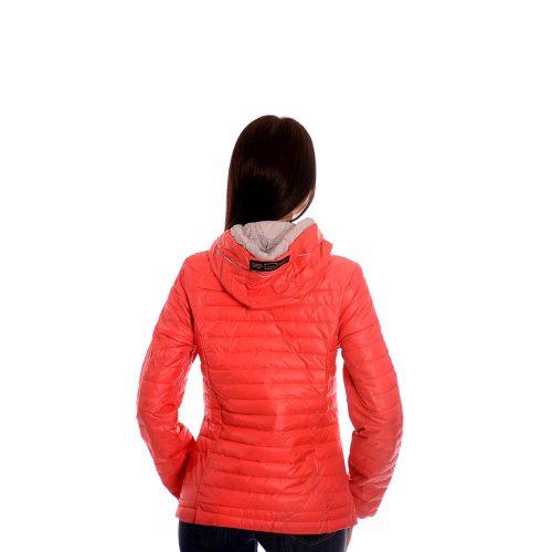 Дамско яке в червено. Есенен модел.