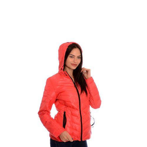 Дамско тънко яке. Червен цвят
